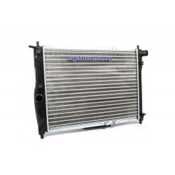 Радіатор охолодження без кондиціонера Nissens