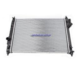 Радиатор основной МКПП на Шевроле Авео 1.5 Chevrolet Aveo T-255 95227749 Фото 1