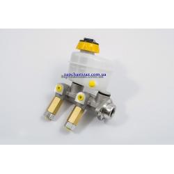 Цилиндр главный тормозной без усилителя и АБС, с бачком (ф 20) CRB